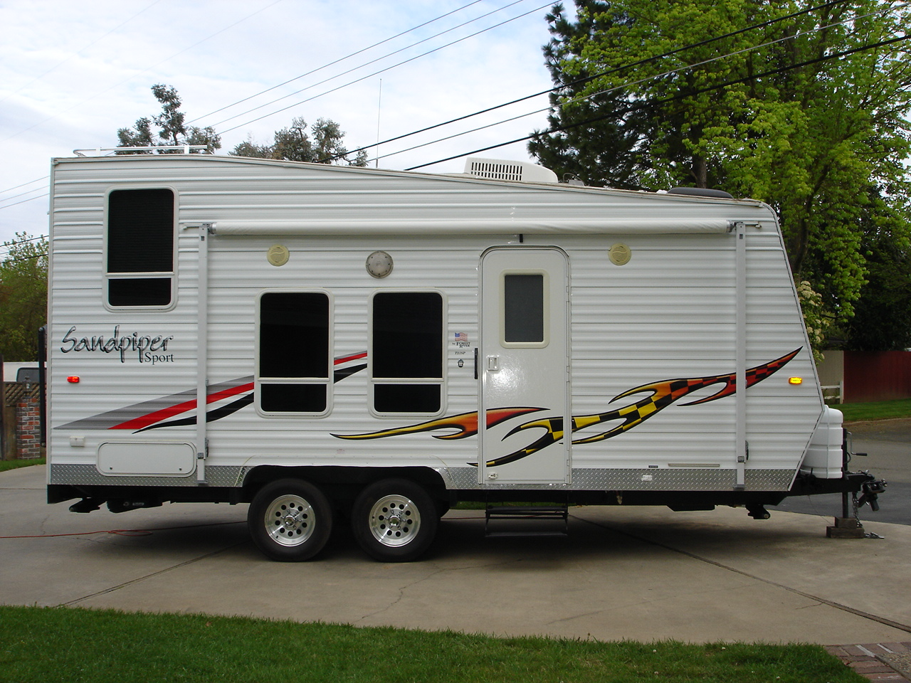 25 simple motorhome toy haulers for Motor home toy hauler